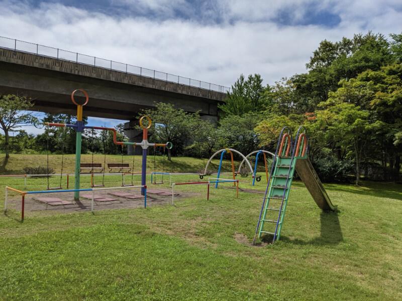 川上公園の公園遊具
