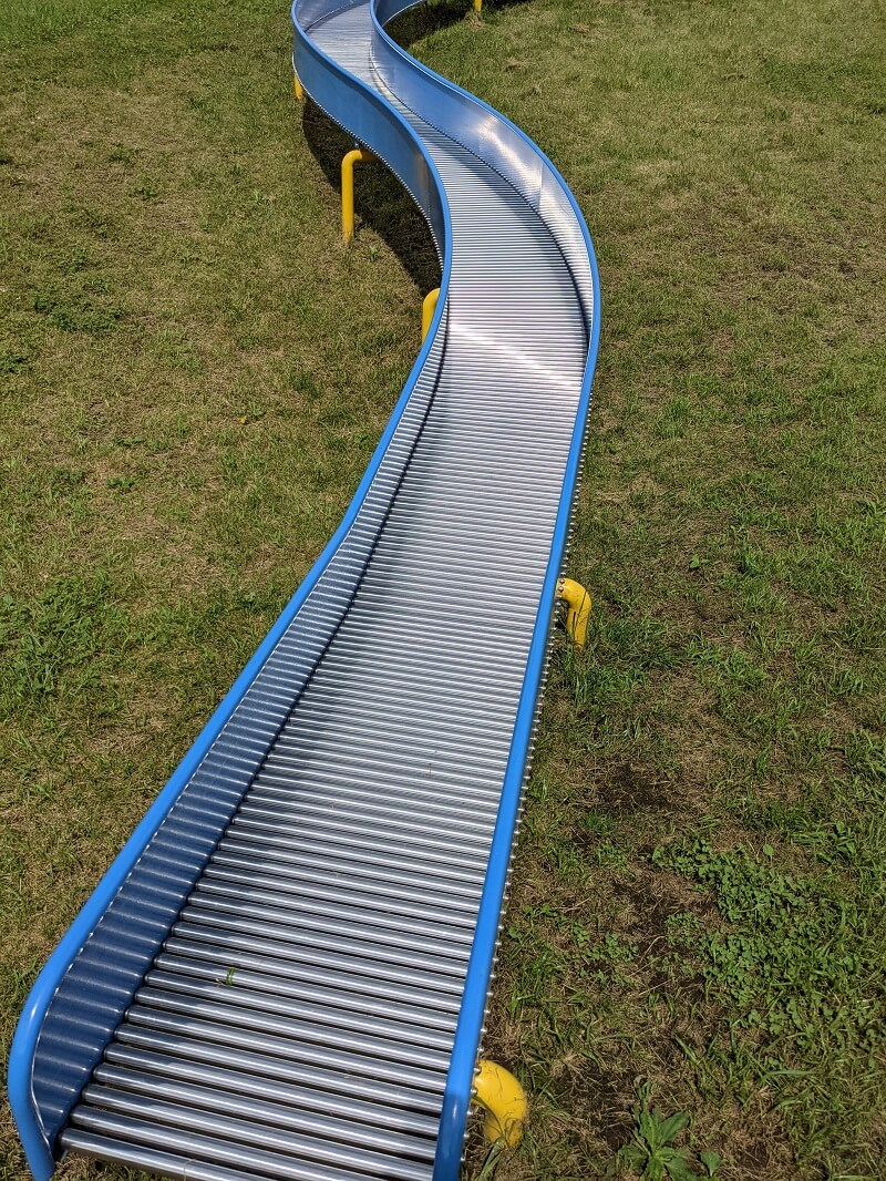 川上公園のローラー滑り台座面